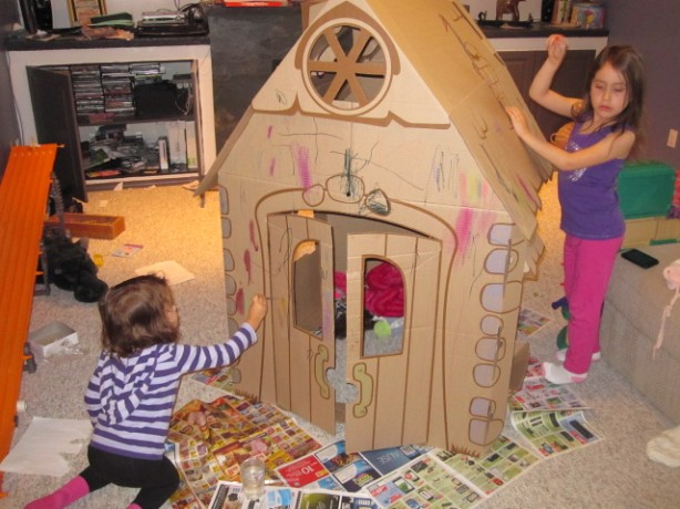 girls decorating cascades my pretty playhouse