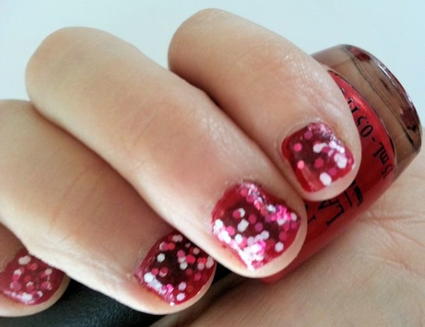 opi couture de minnie nails