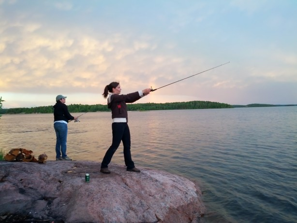 fishing from shore eagle nest lodge manitoba
