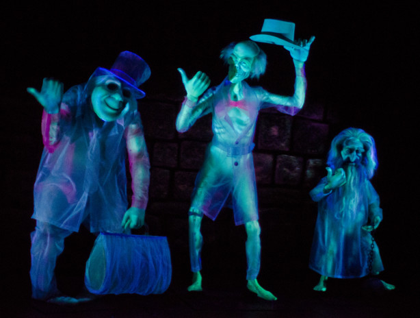 hitchhiking ghosts haunted mansion disneyland