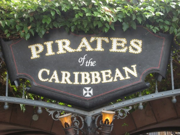 pirates of the carribean sign disneyland