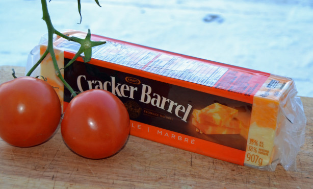 cracker barrel cheese tomatoes