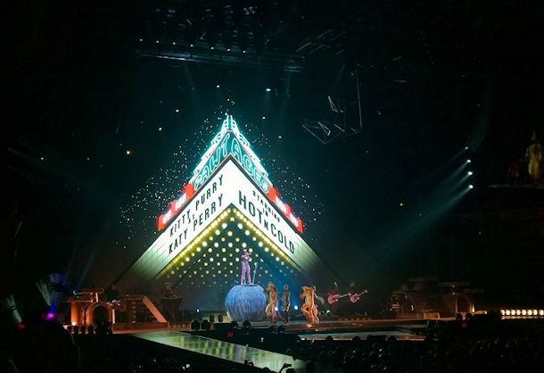 katy perry prismatic world tour kitty purry