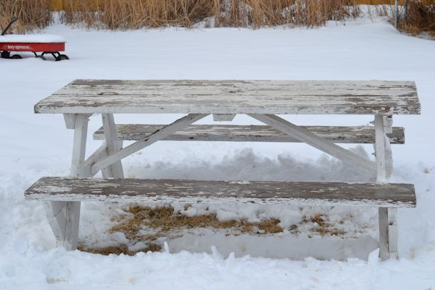 picnic table before makeover
