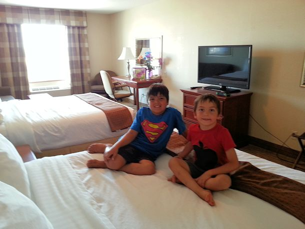 holiday inn family suite