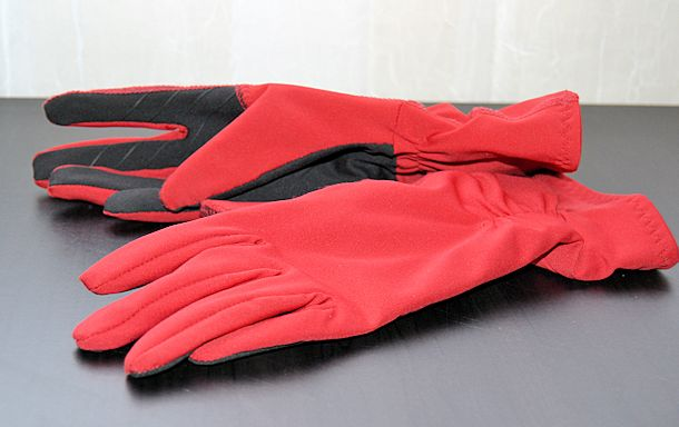 ur powered touchscreen gloves