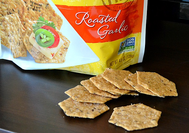 crunchmaster roasted garlic crackers