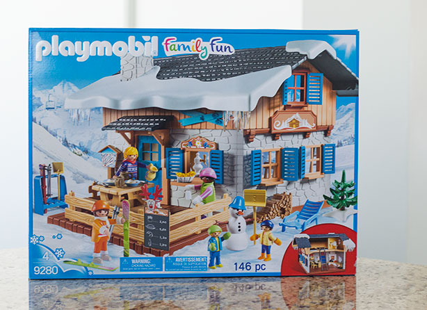 playmobil-ski-lodge-box