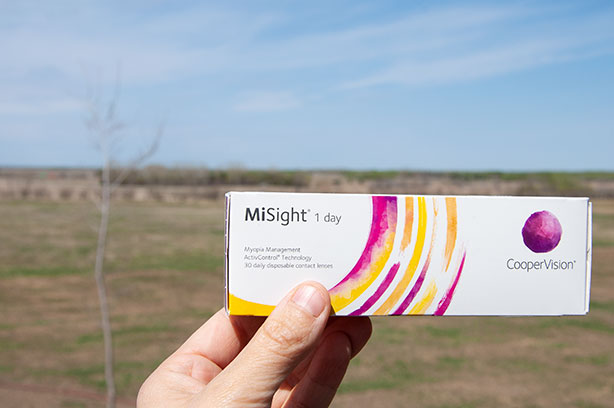 misight-contacts-outside-low-res