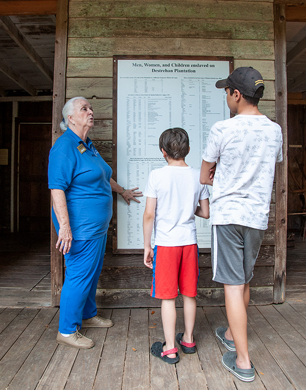 kids-learning-about-slavery-at-destrehan-plantation