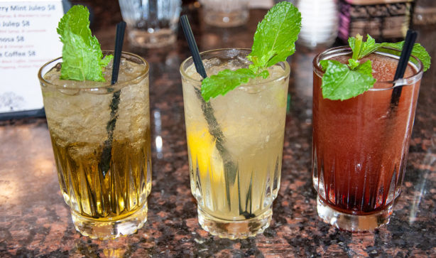 oak-alley-restaurant-mint-julep-flight