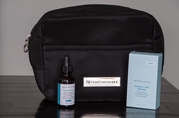 skinceuticals-serum-and-cosmetic-bag